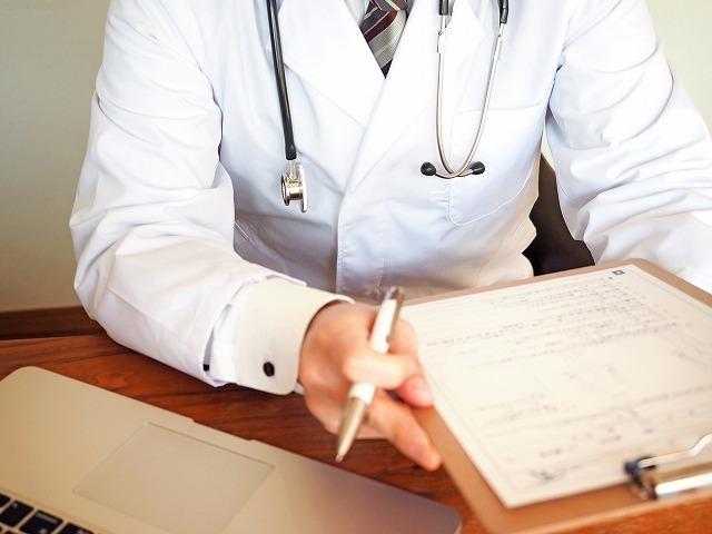 爪水虫(爪白癬)の病院に関するよくある質問FAQに回答する医者